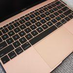 ついに届いた!macbookを最強にするバッテリー付き保護カバー「BOOST」